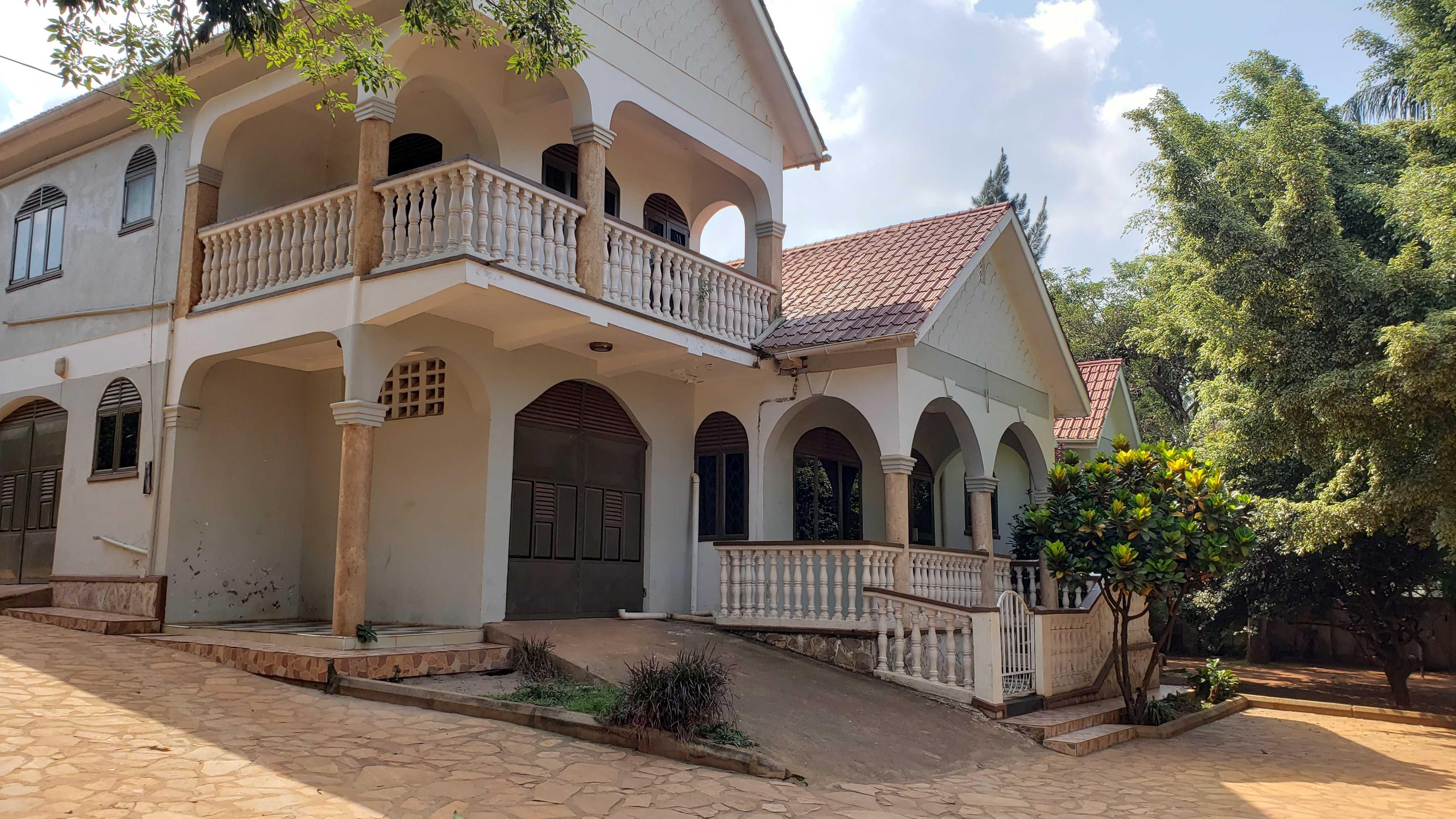 Mutungo Full House