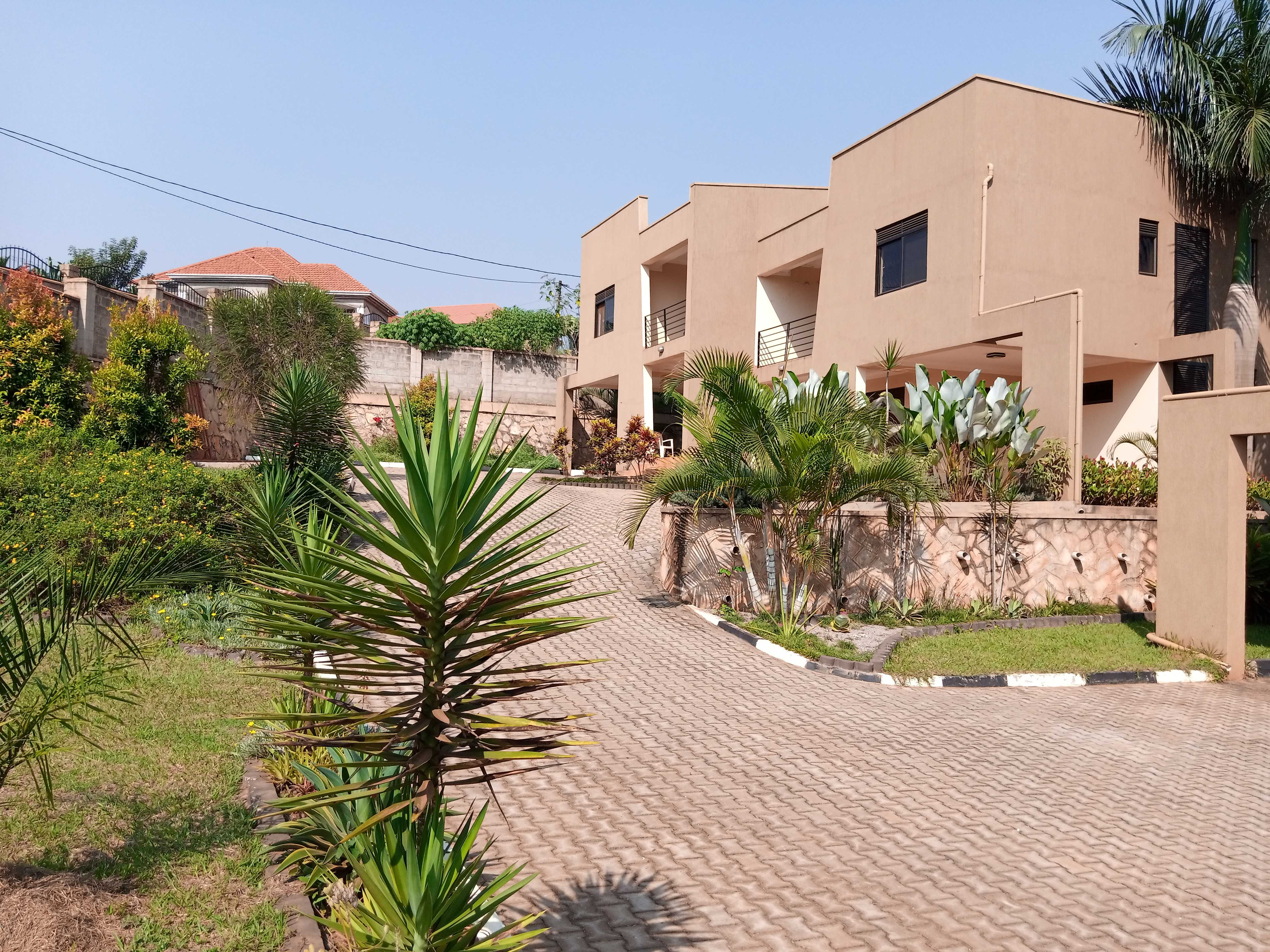 Kira Estate WPS232